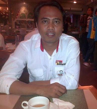 Muamar Riza pahlevi Ketua Komisi pemilihan Umum (KPU) kabupaten Brebes untuk priode 2013-2018
