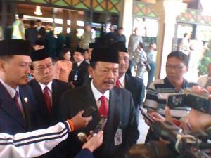 H. Bibit Waluyo Gubernur Jawa Tengah Seusai melantik  Ir.Satrio Hidayat sebagai PJ Bupati Tegal